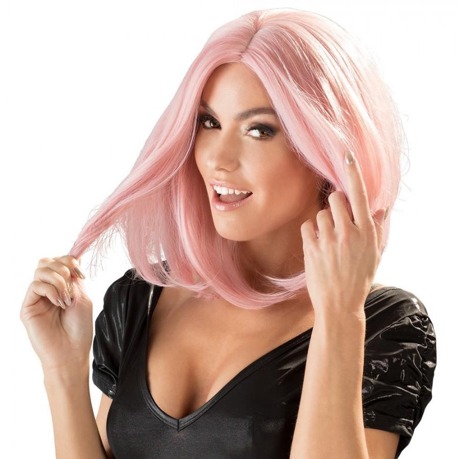 Perruque mi longue, une coiffure glamour